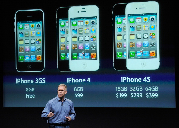 Global「New Apple CEO Tim Cook Introduces iPhone 4s」:写真・画像(8)[壁紙.com]