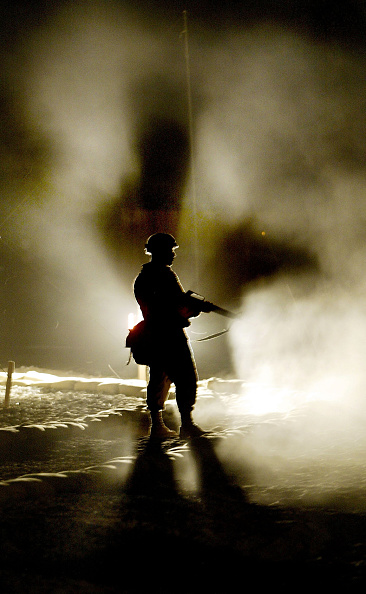 Dust「U.S. Soldier Stand Guard At Camp Virginia」:写真・画像(8)[壁紙.com]