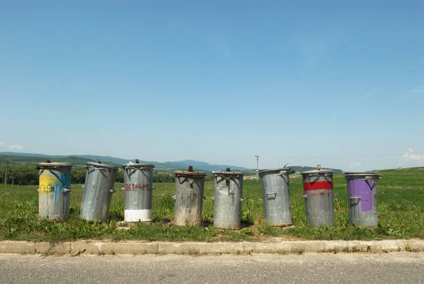 Metal trash bins in countryside village, Slovakia:ニュース(壁紙.com)
