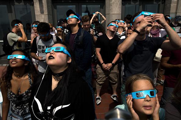 star sky「Solar Eclipse Visible Across Swath Of U.S.」:写真・画像(14)[壁紙.com]
