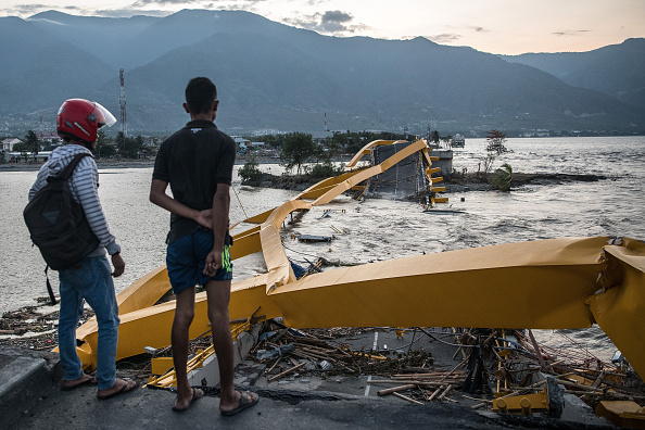 Tsunami「Deadly Earthquake and Tsunami Hits Indonesia's Island of Sulawesi」:写真・画像(16)[壁紙.com]
