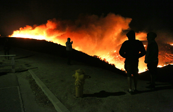 カリフォルニア州「Southern California Wildfires Forces Thousands to Evacuate」:写真・画像(6)[壁紙.com]