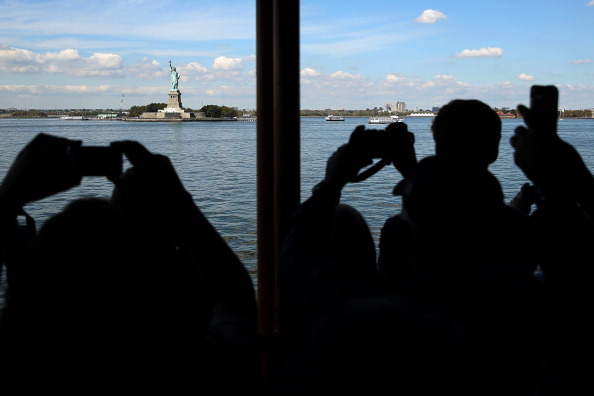 Passenger Craft「Possible Government Shutdown Threatens Statue Of Liberty With Closure」:写真・画像(6)[壁紙.com]