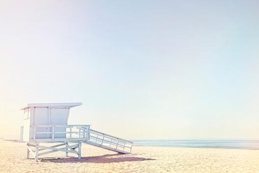 City Of Los Angeles「Life guard hut on beach」:スマホ壁紙(15)