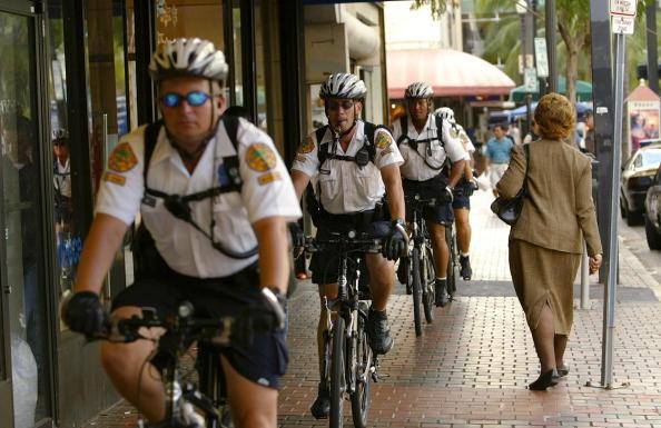 Free Trade Agreement「Miami Prepares For FTAA Protesters」:写真・画像(5)[壁紙.com]