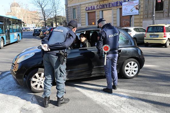 Italy「Italian Daily Life Comes To A Halt During Coronavirus Shutdown」:写真・画像(19)[壁紙.com]