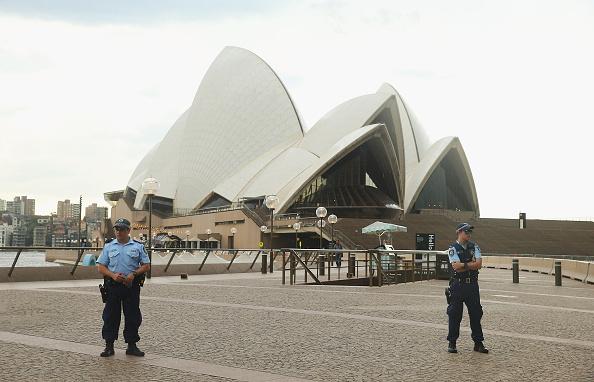 Don Arnold「Sydney Opera House Evacuated During Police Operation」:写真・画像(17)[壁紙.com]