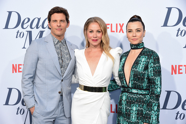"People「Netflix's ""Dead To Me"" Season 1 Premiere - Arrivals」:写真・画像(17)[壁紙.com]"