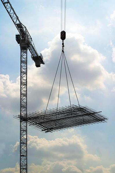 Rod「Crane lifting building material」:写真・画像(16)[壁紙.com]