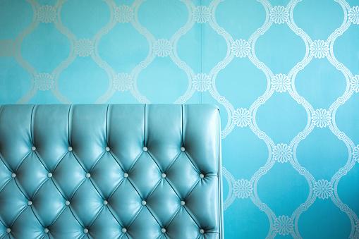 19th Century「Elegant Blue Tufted Leather Chair」:スマホ壁紙(19)