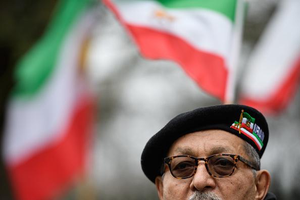 Beret「People Protest Outside Iran's London Embassy」:写真・画像(14)[壁紙.com]