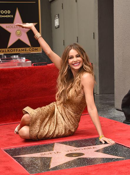 カリフォルニア州ハリウッド「Sofia Vergara Honored On The Hollywood Walk Of Fame」:写真・画像(6)[壁紙.com]