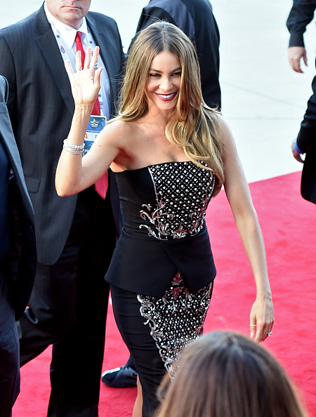 T 「50th Academy Of Country Music Awards - Arrivals」:写真・画像(3)[壁紙.com]