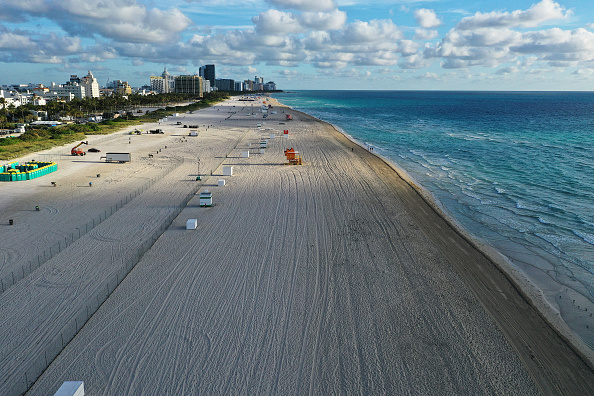 Miami「Miami Beach Reacts To Coronavirus By Shutting Down Beaches To Limit Spring Break Gatherings」:写真・画像(8)[壁紙.com]