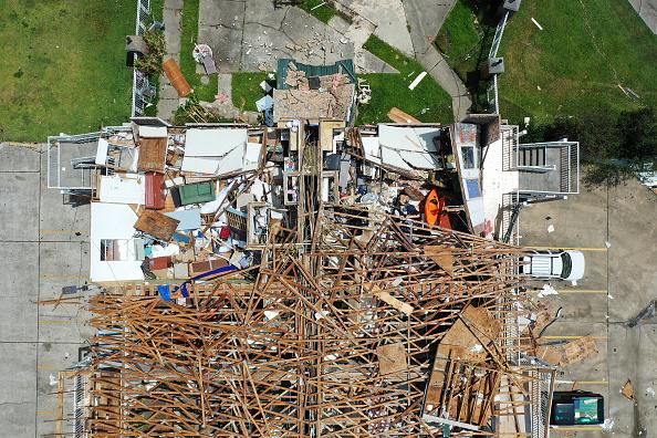 Damaged「Hurricane Laura Makes Landfall On US Gulf Coast」:写真・画像(11)[壁紙.com]