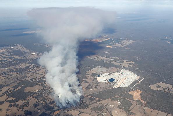 Australia「Bushfire Threatens Homes Near Perth」:写真・画像(7)[壁紙.com]