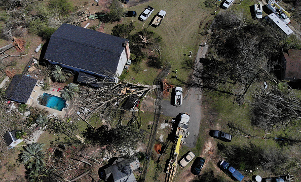 Drone Point of View「23 Killed As Tornadoes Sweep Across Southeast Causing Widespread Damage」:写真・画像(1)[壁紙.com]