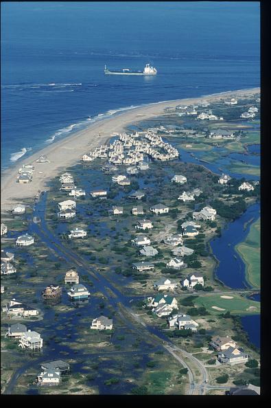 Coastal Feature「Aftermath Of Hurricane Floyd In North Carolina」:写真・画像(16)[壁紙.com]