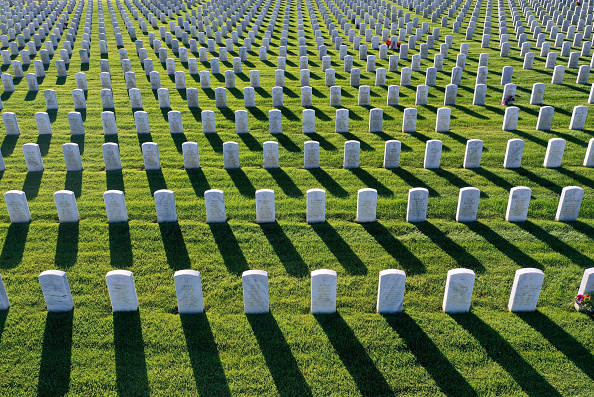Cemetery「California Veterans Cemetery Prepares For Memorial Day」:写真・画像(18)[壁紙.com]