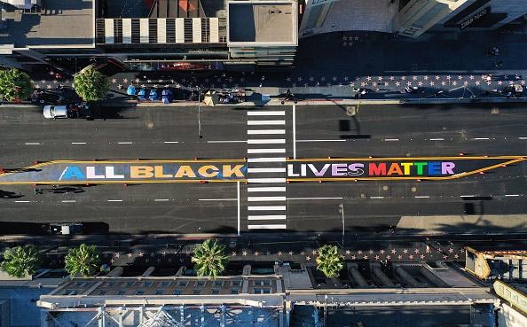 Hollywood - California「'All Black Lives Matter' Permanent Mural Installed on Hollywood Boulevard」:写真・画像(13)[壁紙.com]