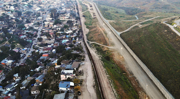 Baja California Peninsula「President Trump Threatens To Close The Southern Border With Mexico Over Immigration」:写真・画像(10)[壁紙.com]