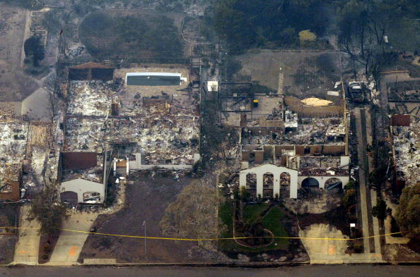 Insurance「Aerial view of the fire devastated houses」:写真・画像(16)[壁紙.com]