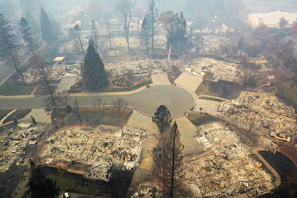 Justin Sullivan「California Town Of Paradise Devastated By The Camp Fire Continues Search And Recovery Efforts」:写真・画像(12)[壁紙.com]