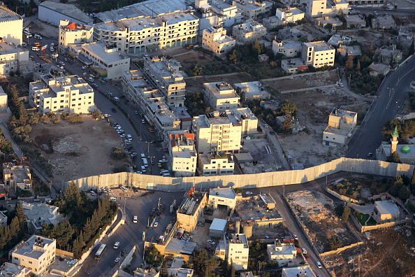 West Bank「Aerial Views Of Israel?s Separation Wall」:写真・画像(9)[壁紙.com]
