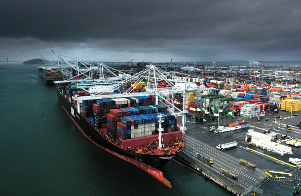 Oakland - California「U.S. Trade Deficit Rises To Highest Level In History  At $891 Billion」:写真・画像(4)[壁紙.com]