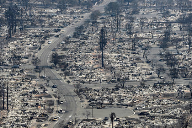 Justin Sullivan「Multiple Wildfires Destroy Homes, Threaten California Wine Country」:写真・画像(17)[壁紙.com]