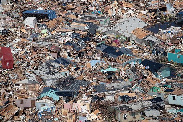 Scott Olson「Bahamas Relief Effort Begins in Wake of Dorian Destruction」:写真・画像(14)[壁紙.com]