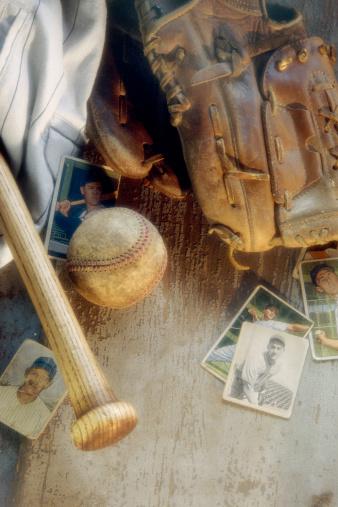 1990-1999「Old baseball equipment」:スマホ壁紙(1)