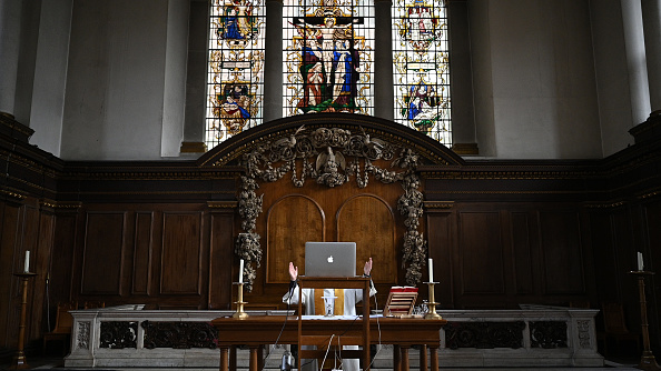 Bench「More Clergy In England Return To Church For Prayer And Live-Streamed Services」:写真・画像(17)[壁紙.com]
