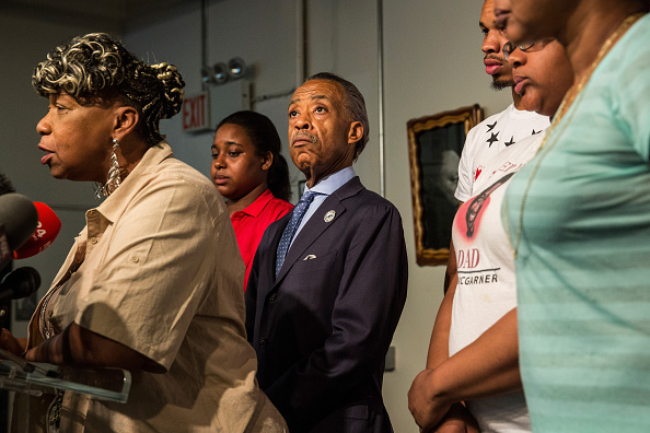 Responsibility「Family Of  Police Chokehold Death Victim Eric Garner Hold News Conference」:写真・画像(0)[壁紙.com]