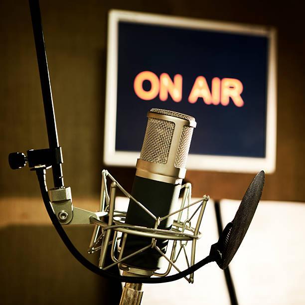 media: on air:スマホ壁紙(壁紙.com)