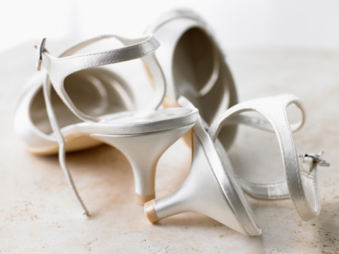 Silver Shoe「Abandoned Silver High Heels」:スマホ壁紙(17)