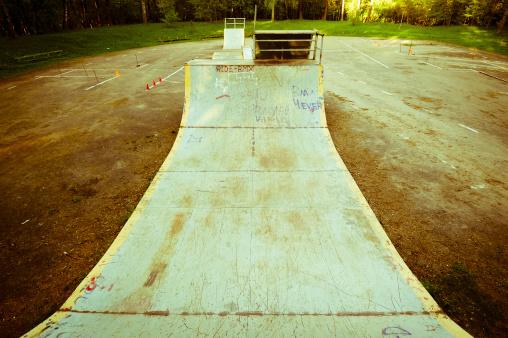 Skating「Abandoned skate park, rusty halfpipe」:スマホ壁紙(1)