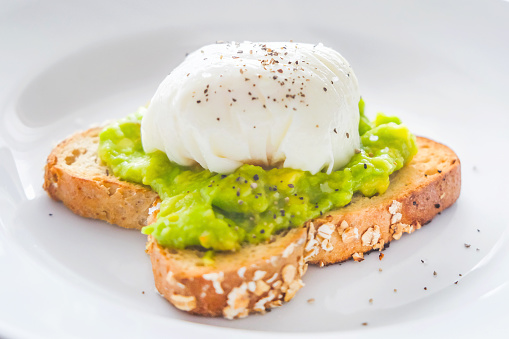 Toasted Sandwich「Homemade poached eggs with smashed avocado」:スマホ壁紙(4)