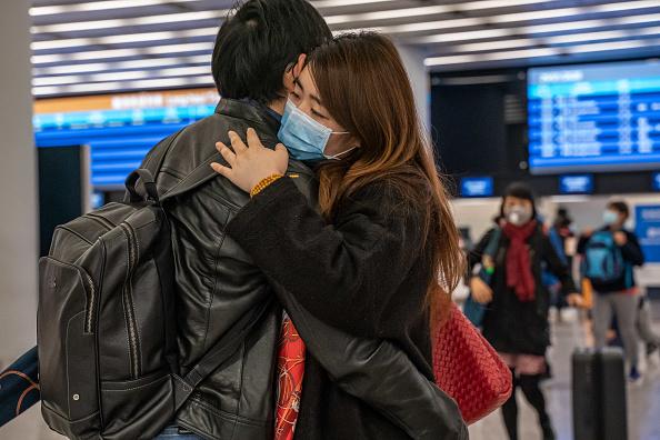 Dividing「Deadly Wuhan Coronavirus Spreads To Hong Kong」:写真・画像(12)[壁紙.com]