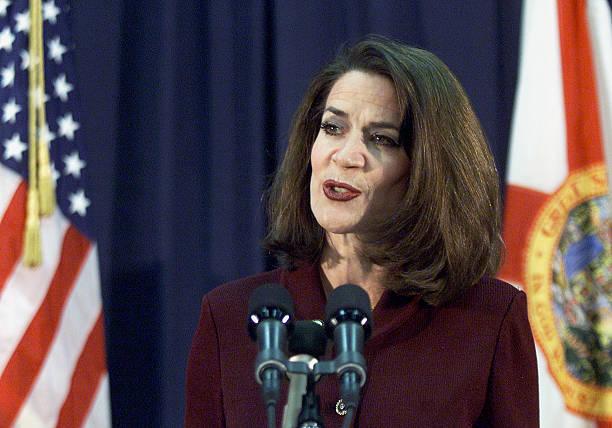 Florida Secretary of State Katherine Harris Briefs Reporters:ニュース(壁紙.com)
