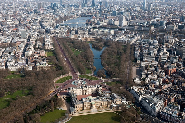 Above「Buckingham Palace And St Jamess Park,」:写真・画像(7)[壁紙.com]