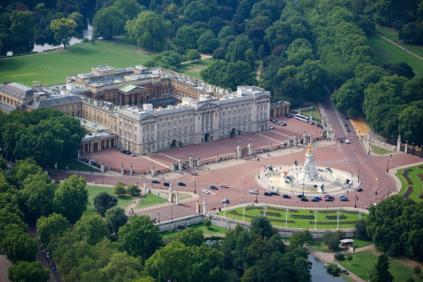Outdoors「Buckingham Palace, London, 2006」:写真・画像(18)[壁紙.com]
