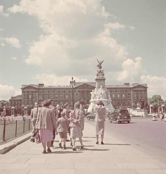 Victoria Memorial - London「Buckingham Palace」:写真・画像(1)[壁紙.com]