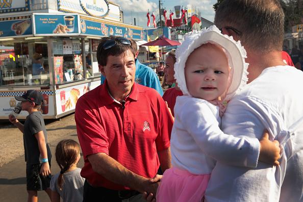 Scott Olson「GOP Senate Candidate Troy Balderson Campaigns At Local Ohio Fair」:写真・画像(16)[壁紙.com]