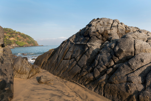 Sayulita「Large Rock Formation Along The Coast」:スマホ壁紙(14)