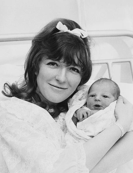 カメラ目線「Baby Redgrave」:写真・画像(17)[壁紙.com]