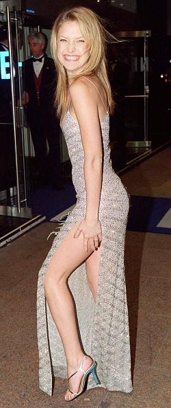 銀色のドレス「London Film Festival Premieres New Movies」:写真・画像(6)[壁紙.com]