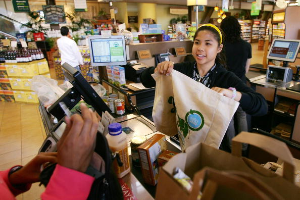 Reusable Bag「Whole Foods Bans Plastic Bags In All Of Its Stores」:写真・画像(2)[壁紙.com]