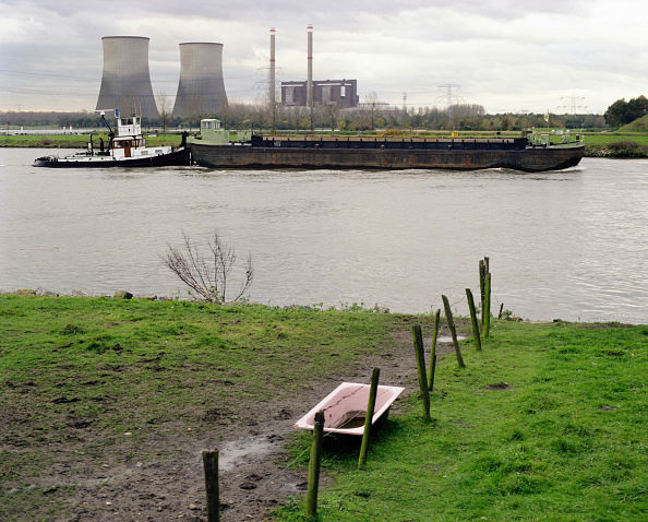 Netherlands「Nuclear power plant with farm in the foreground, Netherlands」:写真・画像(3)[壁紙.com]