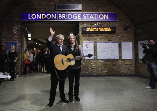 Performer「Mayor Of London Boris Johnson Launches 'Rhythm Of London' Busking Competition」:写真・画像(10)[壁紙.com]